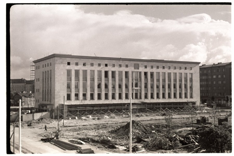 Tallinna Kaubamaja valmimisel