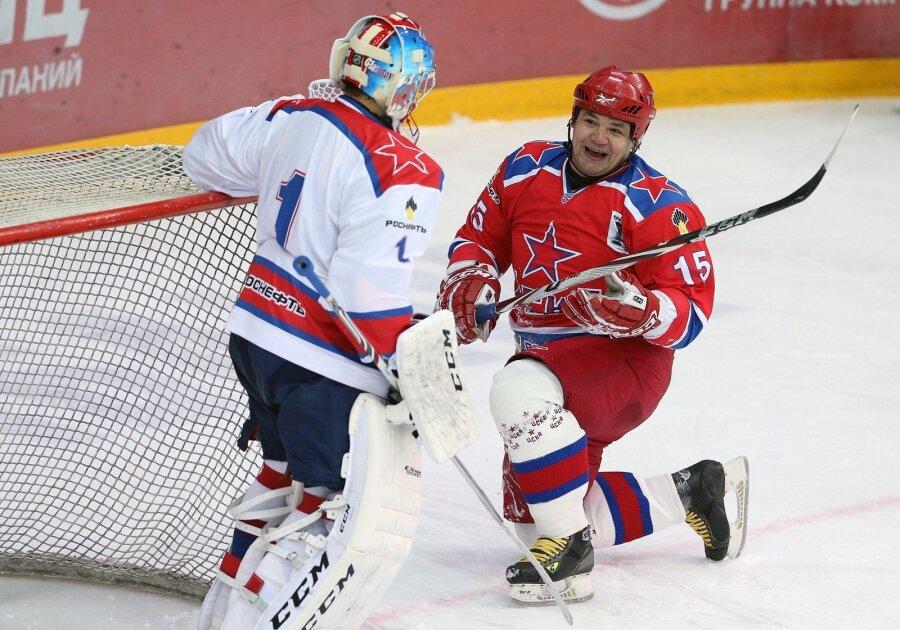 Руководитель профсоюза КХЛ Коваленко нокаутировал судью вовремя матча