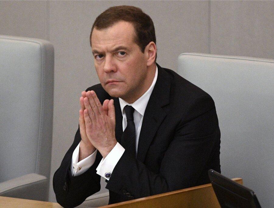 Медведев поручил сделать единый ресурс сданными обо всех россиянах