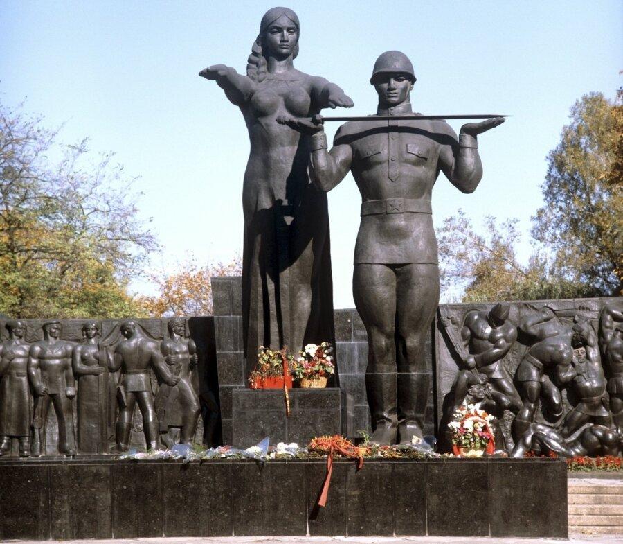 Украина просит Эстонию поделиться опытом переноса «Бронзового солдата»