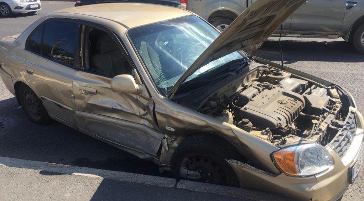 6ab152f0c22 FOTOD | Tallinna südalinnas põrkasid kokku kaks sõiduautot, haiglasse viidi  teiste seas neljakuune laps - DELFI