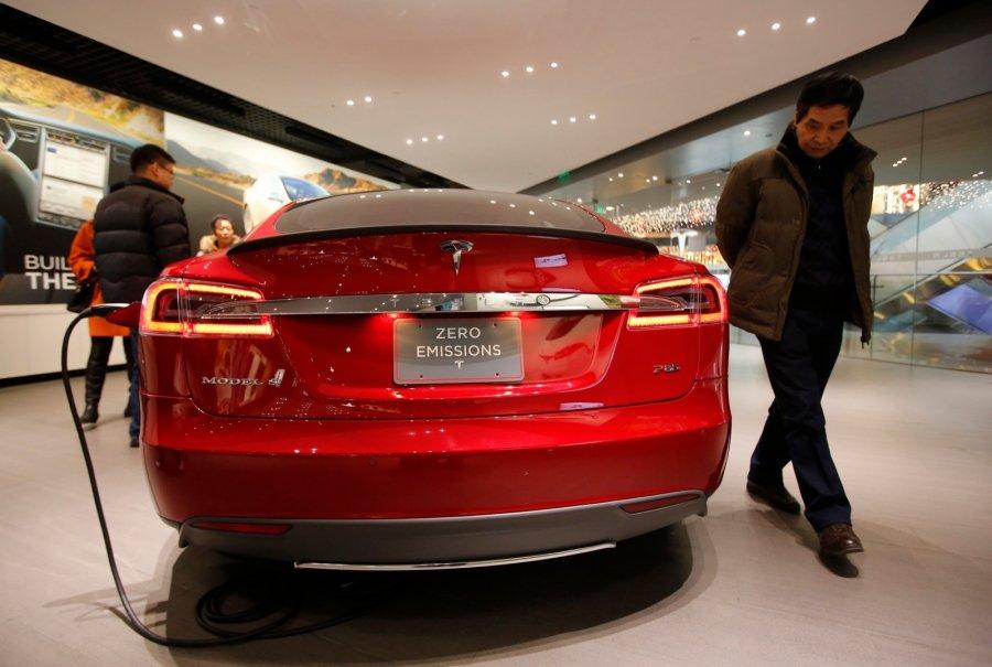 Поставки электрокаров Tesla сиюля увеличились вдва раза
