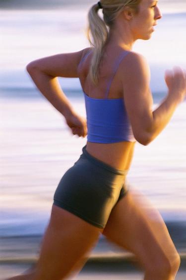 бег для сжигания жира на животе женщине