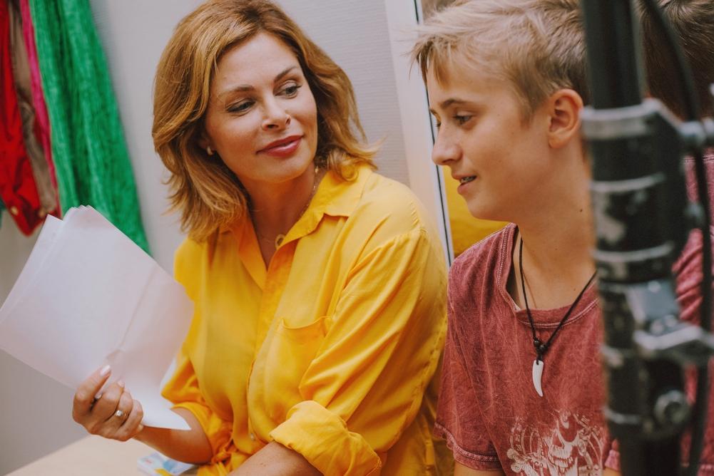 На съемочной площадке «LasnaГорска» с «сыном» – актёром Артёмом Фирсовым. Фото: Владислава Снурникова