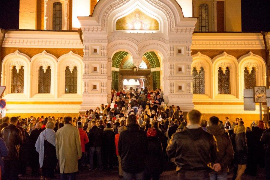 Вовременное управление Эстонской православной церковью вступит епископ Нарвский Лазарь